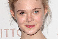 Elle-fanning-teenage-makeup-side